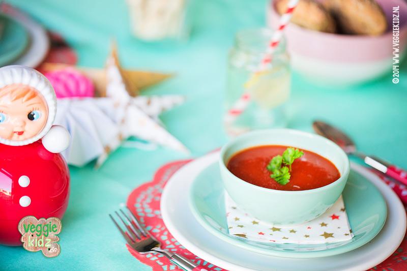 Veggiekidz Vegetarisch kerstdiner: tomatensoep van verse tomaten