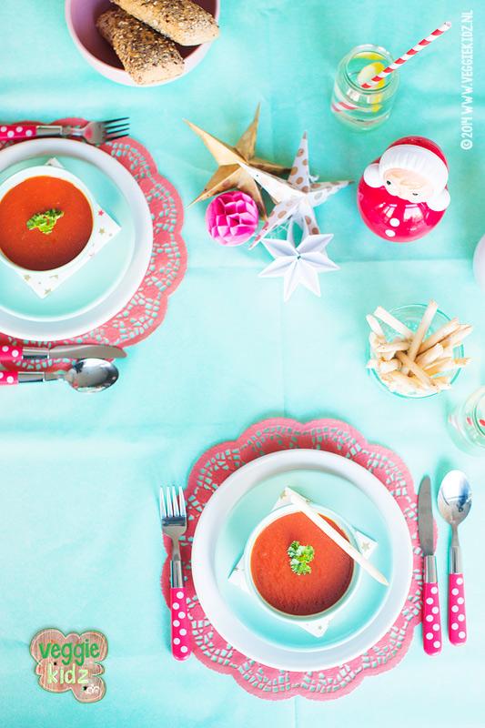 VEGETARISCH KERSTMENU voor kinderen, tomatensoep